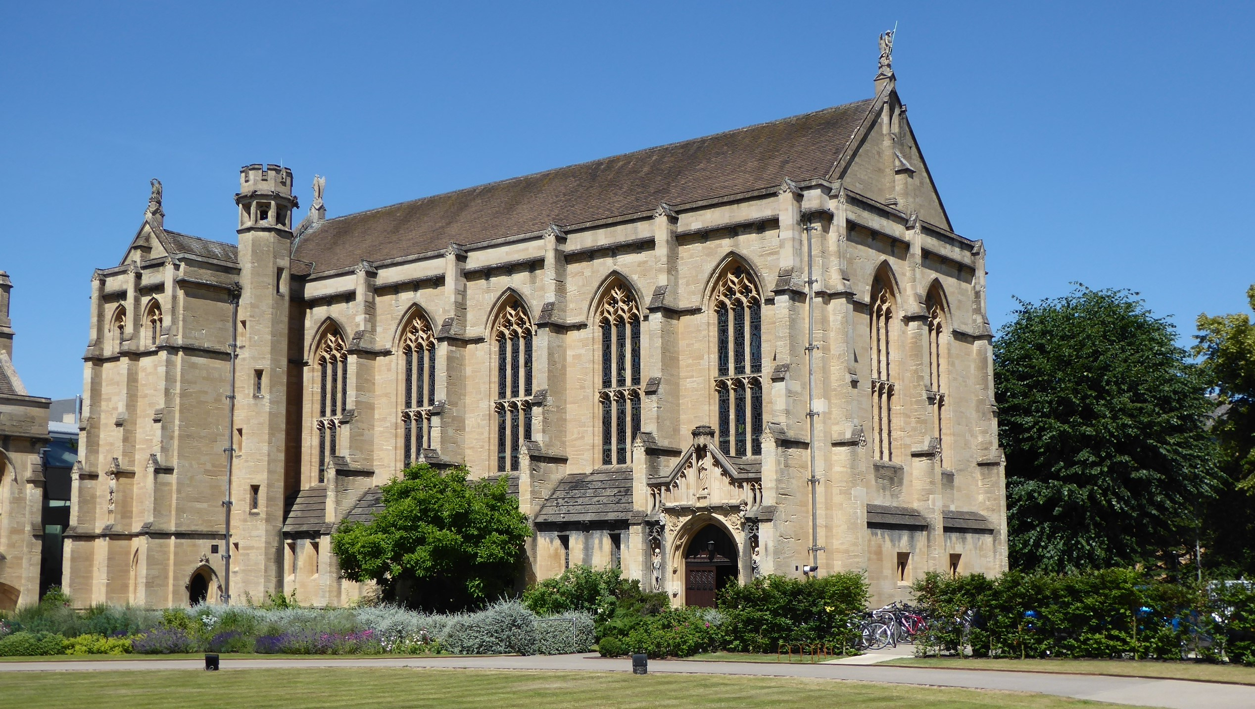 Mansfield College Chapel and Dining Hall exterior, in the sun.